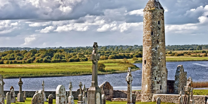 whats on whats on clonmacnoise 2048x1024